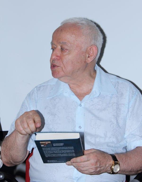 М.Е.Литвак в Клубе КРОСС в Алматы